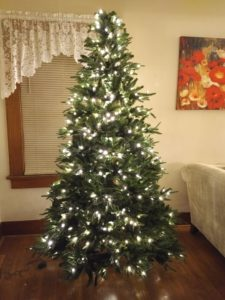 ultima tree with white lights