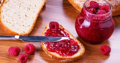 Super Simple Raspberry Jam